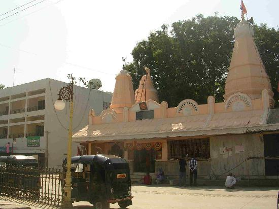 ganesh temple in shirdi near to saibaba samadhi mandir